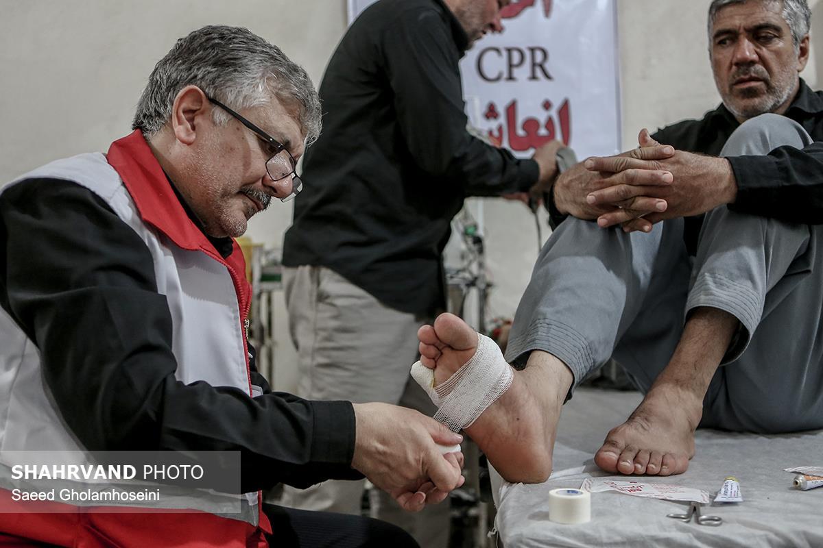 ارائه خدمات هلال احمر در درمانگاه های بین راه عمود ۱۰۸۰