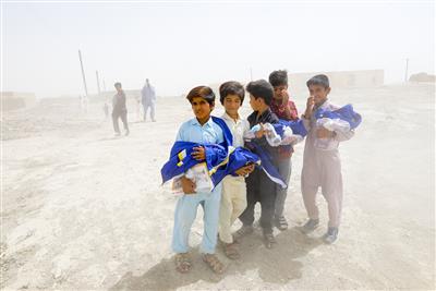 توزیع اقلام زیستی در روستاهای سیستان و بلوچستان با اجرای «نذرآب۲»