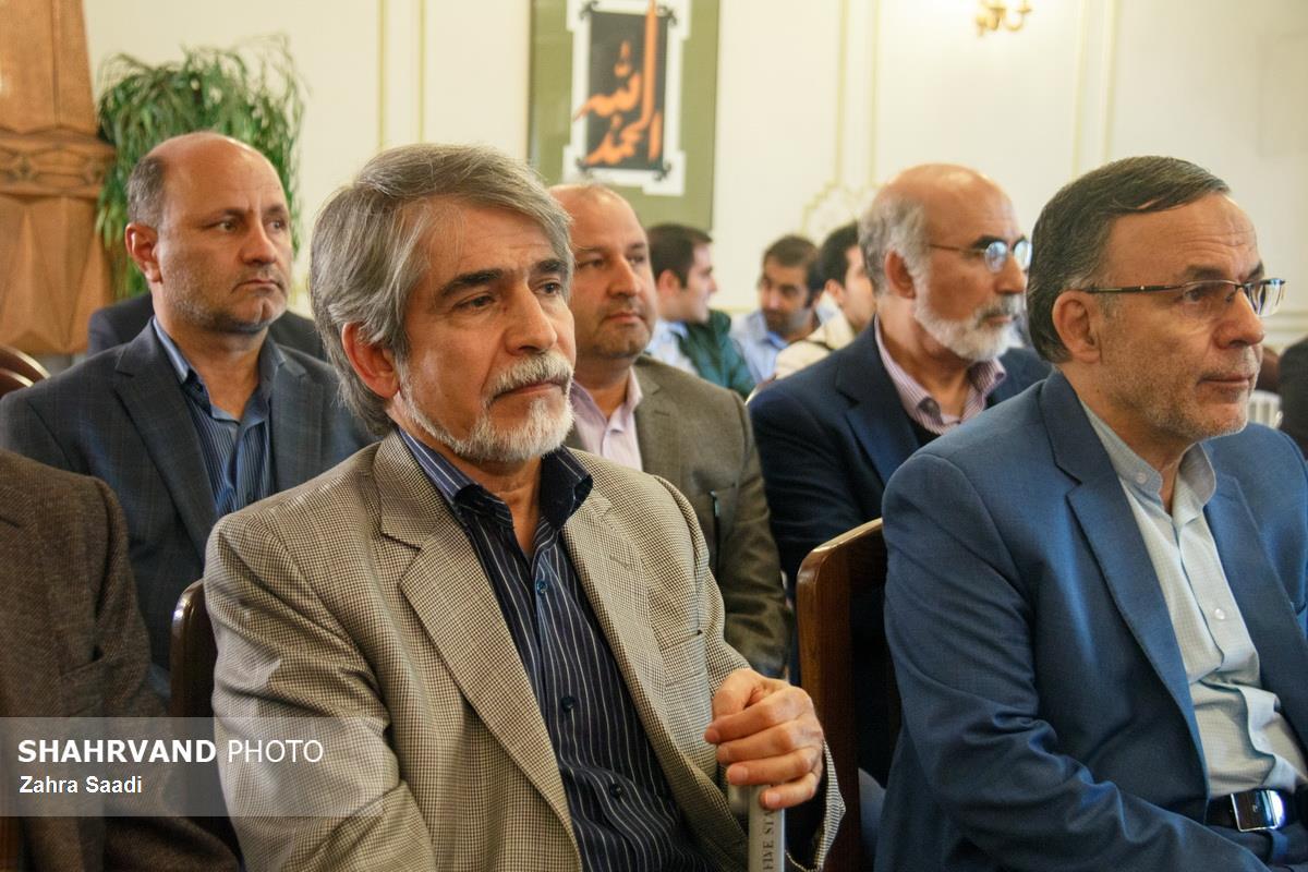 حضور دکتر احمد پورنجاتی و دکتر محمد جعفر حبیب زاده در مراسم سومین سالگرد زنده یاد دکتر صادق آئینه وند